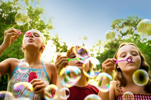 blowing_bubbles_600x399